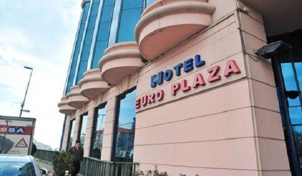 Euro Plaza Hotel Havuz