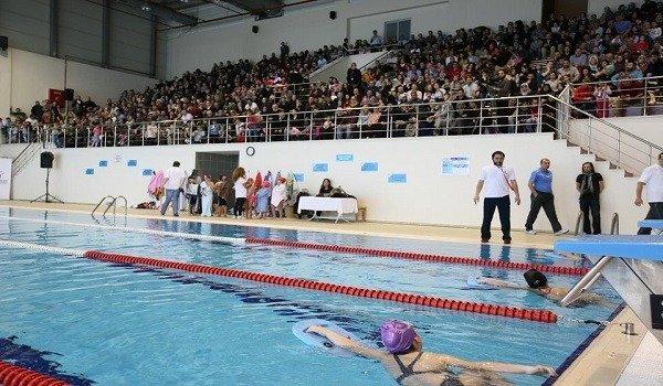 Esenler Belediyesi Yüzme Havuzu 1