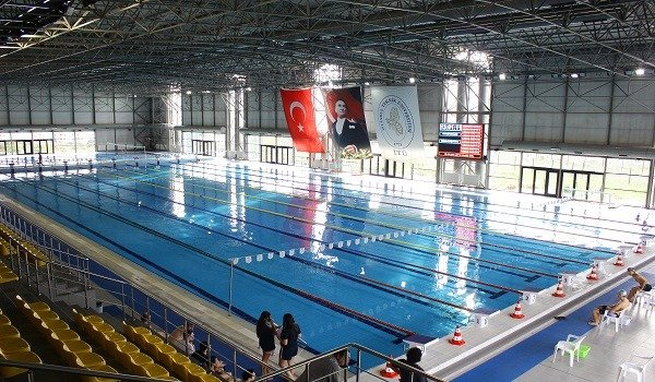 İTÜ Kapalı Olimpik Yüzme Havuzu 1