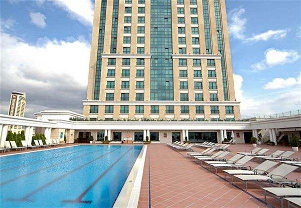 Marriott İstanbul Asia Havuz 2