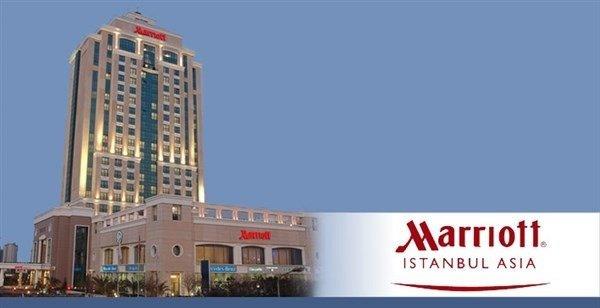 Marriott İstanbul Asia Havuz 3