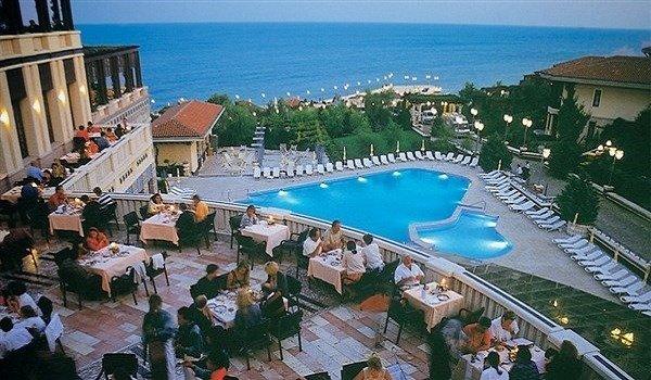 Klassis Resort Hotel Havuz 1