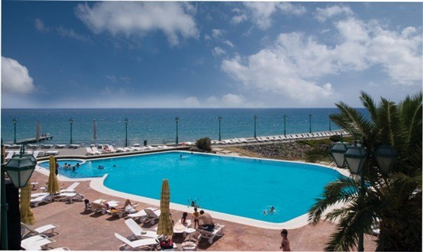 Klassis Resort Hotel Havuz 3