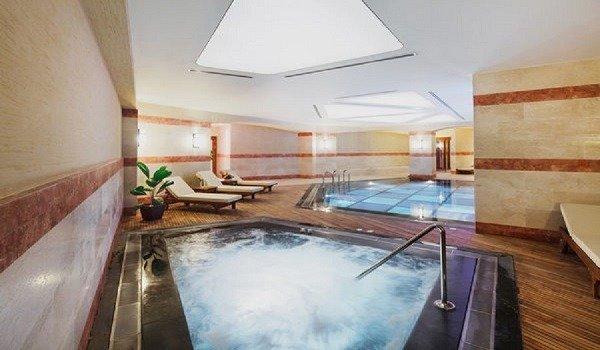 Mövenpick Hotel Havuz 2
